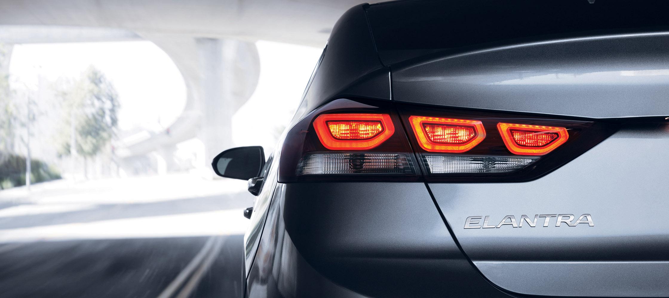 2018 Hyundai Elantra Performance Overview